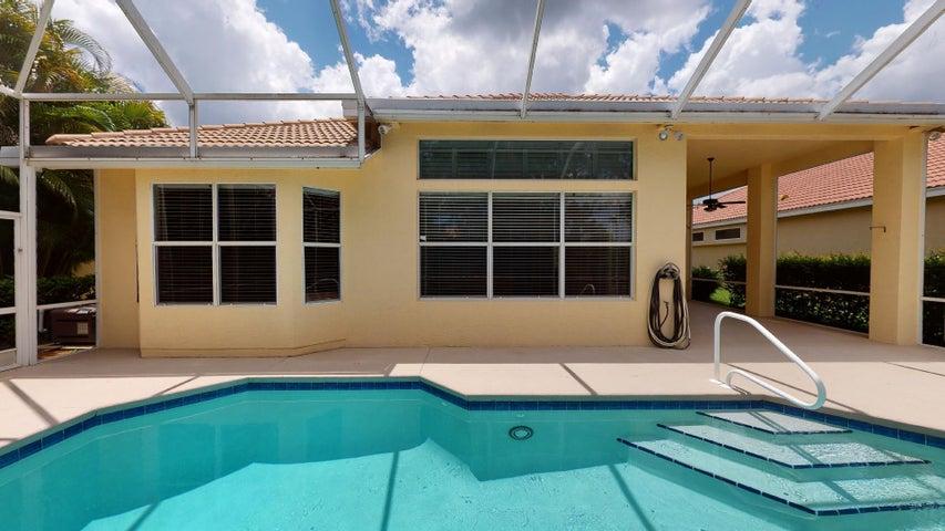 707 SW Great Exuma Cove, Saint Lucie West, FL 34986
