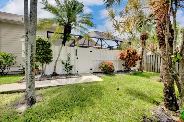 1204 Summerwinds Lane, Jupiter, FL 33458