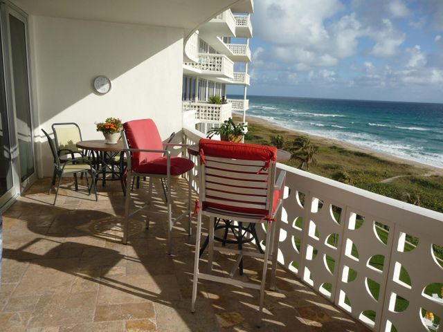 Direct Oceanfront 2/2 with fabulous ocean views throughout the unit. Spacious balcony affords outdoor ocean front living, Unit has been upgraded with granite counter tops and stainless steel appliances Porcelain tiles throughout. High impact windows and doors, 24 hour doorman service.