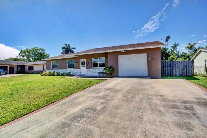 144 Martin Circle, Royal Palm Beach, FL 33411