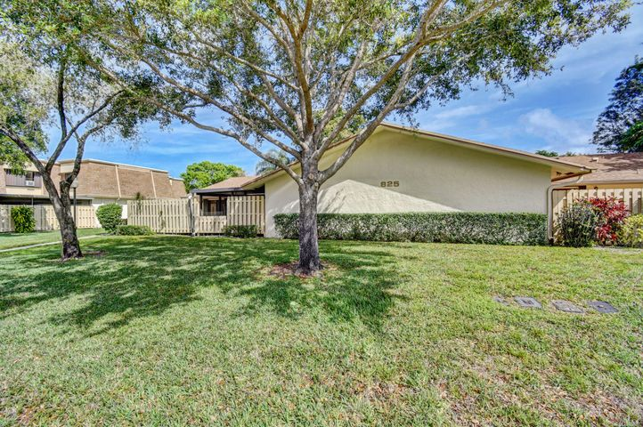 825 NW 29th Avenue C, Delray Beach, FL 33445
