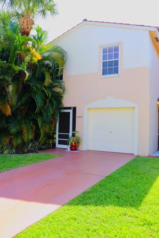 6910 Mill Brook Place, Lake Worth, FL 33463