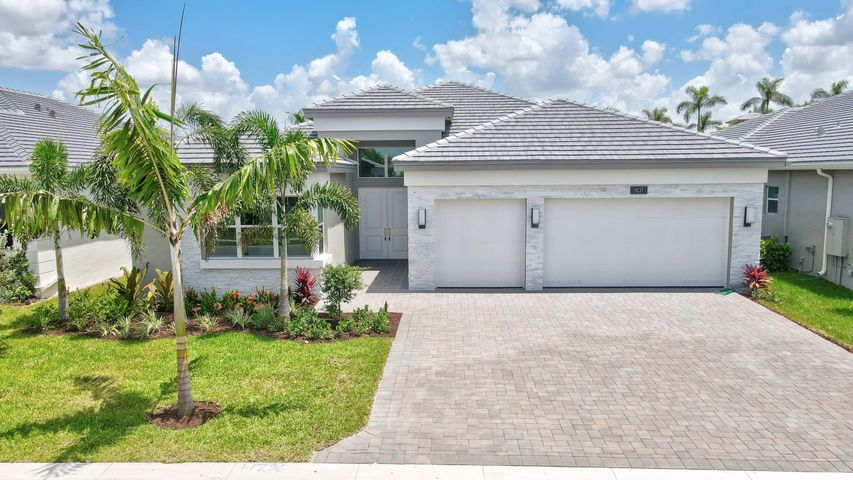 9237 Seahorse Bay Drive, Boynton Beach, FL 33473