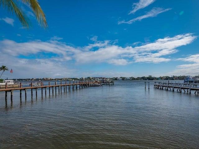 322 N Lake Drive, Lantana, FL 33462