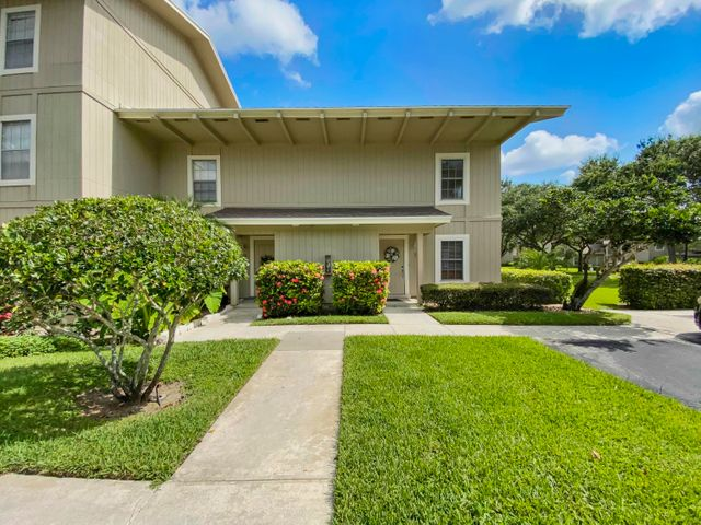 18400 SE Wood Haven Stanwick Lane N, Jupiter, FL 33469