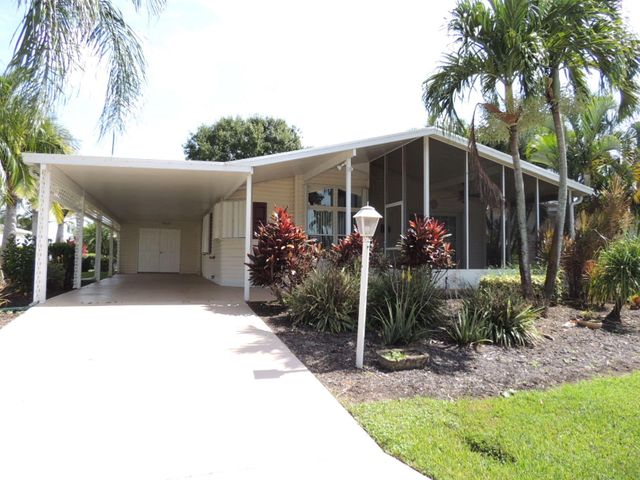 8173 14th Hole Drive, Port Saint Lucie, FL 34952