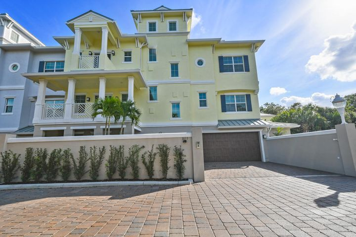 1033 Harbor Villas Drive 4, North Palm Beach, FL 33408