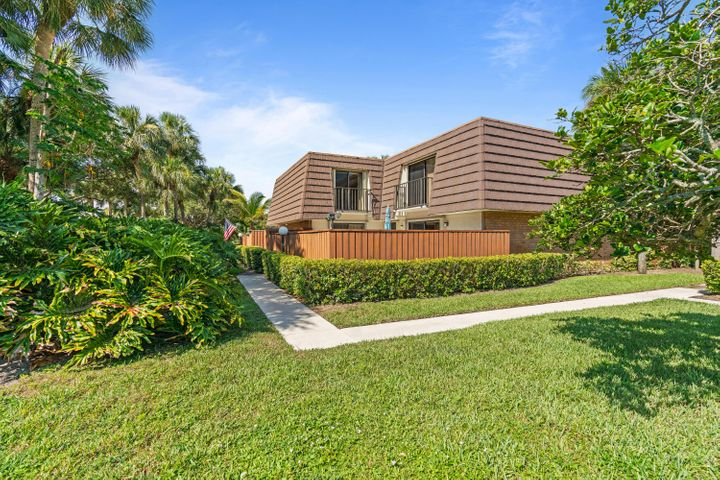1162 11th Court, Jupiter, FL 33477