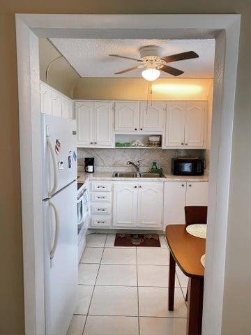 752 Nantucket Circle, Lake Worth, FL 33467