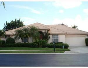 FABULOUS ONE-STORY SINGLE-FAMILY HOME IN GATED COMMUNITY. TOTALLY UPDATED AND COMFORTABLY FURNISHED. ENJOY THE PRIVACY OF A POOL IN YOUR SCREENED BACK YARD. A SOCIAL MEMBERSHIP AT PGA NATIONAL GOLF CLUB AND RESORT IS INCLUDED. TENANT PAYS MEMBERSHIP TRANSFER FEE.