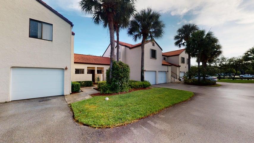 21 Via De Casas Sur, 102, Boynton Beach, FL 33426