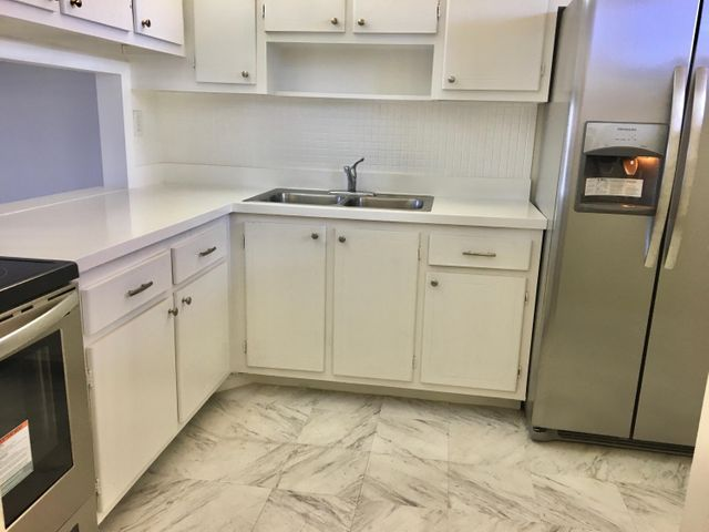Updated kitchen with new applicances