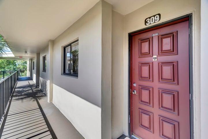 5130 Las Verdes Circle 309, Delray Beach, FL 33484
