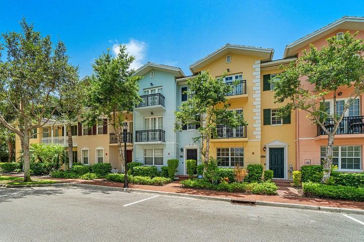 1016 E Heritage Club Circle, Delray Beach, FL 33483
