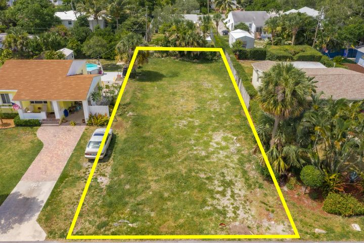 226 NE 11th Street, Delray Beach, FL 33444