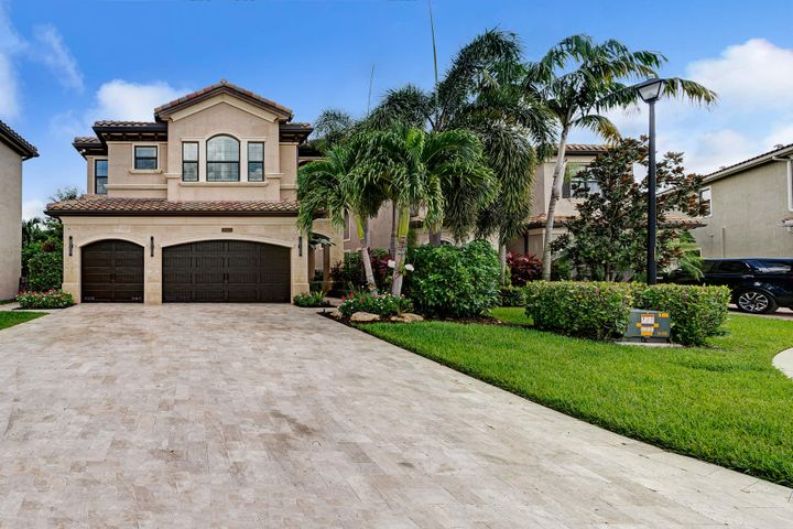 16926 Bridge Crossing Circle, Delray Beach, FL 33446