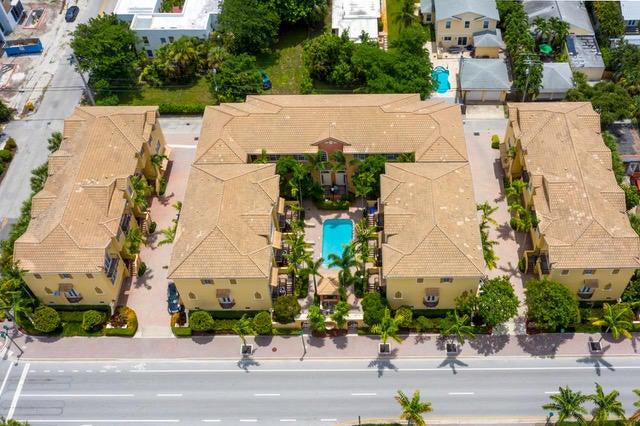 601 Renaissance Way, Delray Beach, FL 33483