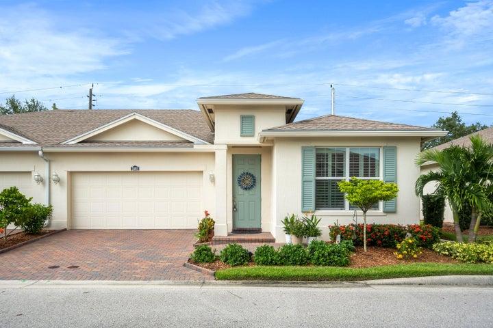 1862 Oak Grove Court, Vero Beach, FL 32966