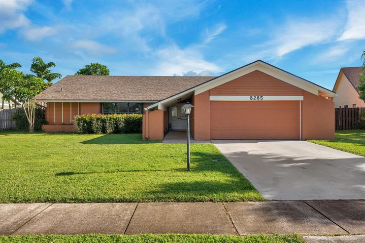 8265 Whitewood Cove E, Lake Worth, FL 33467