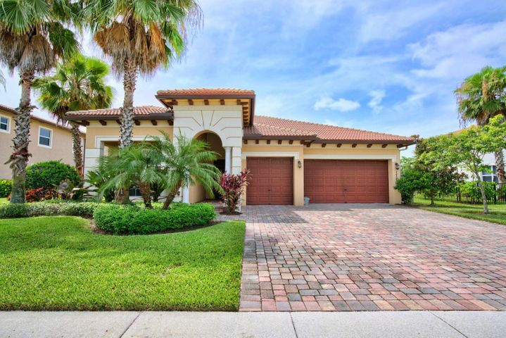 172 Manor Circle, Jupiter, FL 33458
