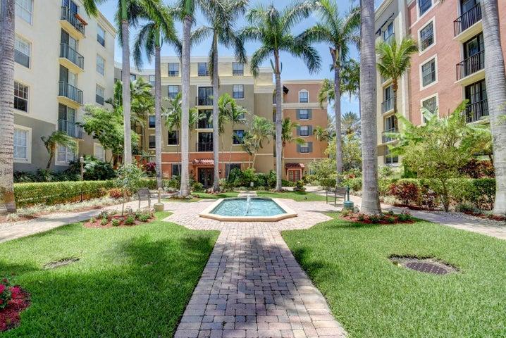 630 S Sapodilla Avenue, 220, West Palm Beach, FL 33401