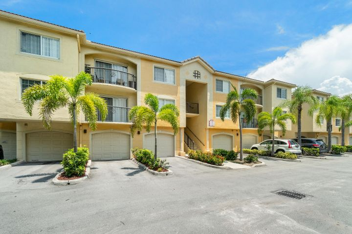 900 Crestwood Court S, 909, Royal Palm Beach, FL 33411