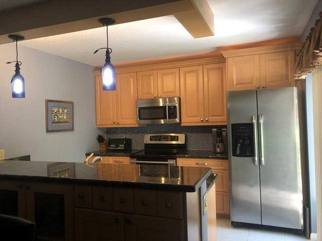 New Kitchen with granite