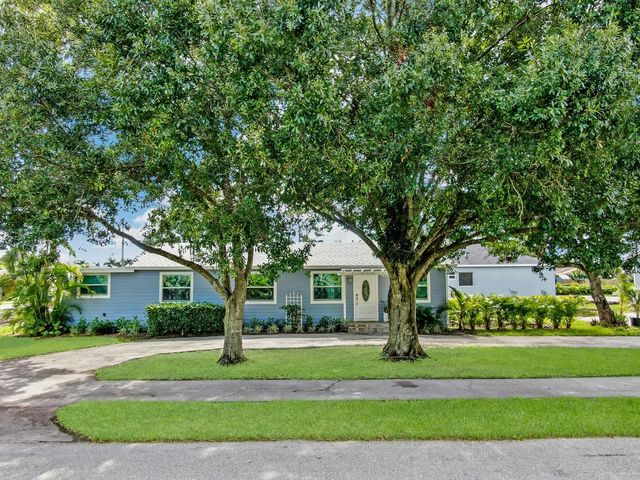 7612 Seabreeze Drive, Lake Worth, FL 33467