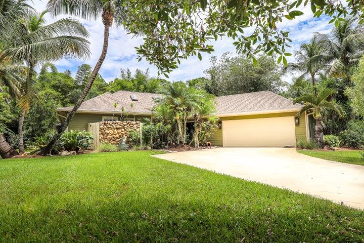 15696 73rd Terrace N, Palm Beach Gardens, FL 33418