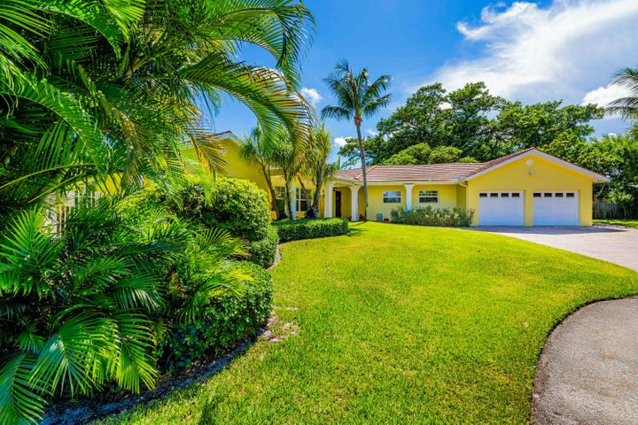800 Tangerine Way, Delray Beach, FL 33483