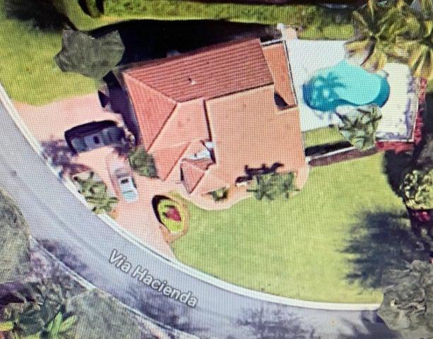 8056 Via Hacienda, Palm Beach Gardens, FL 33418