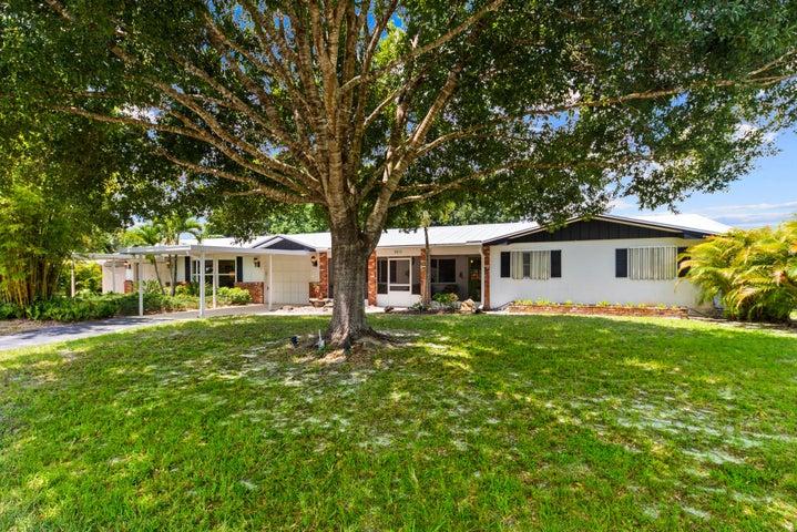 8852 SW Avocado Lane, Stuart, FL 34997