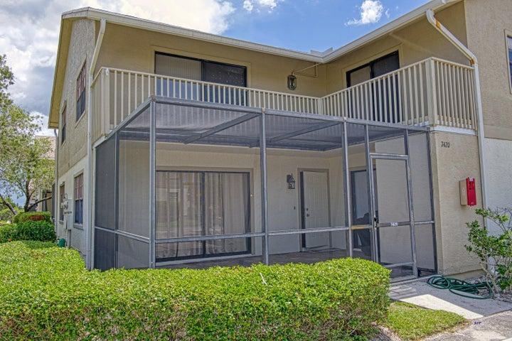 7420 SE Concord Place, Hobe Sound, FL 33455