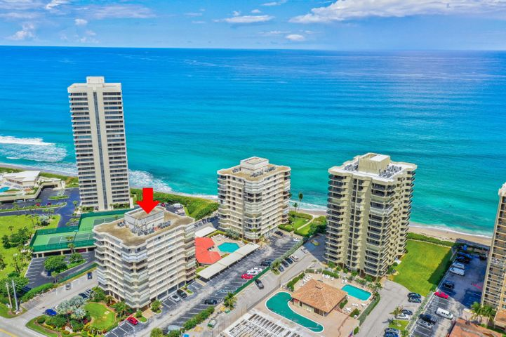 FIRST FLOOR UNIT WITH GREAT VIEWS OF THE INTERCOSTAL WATER WAYS. WRAP AROUND BALCONY . WALK IN CLOSETS.THIS UNIT IS READY FOR YOUR PERSONAL TOUCH.BEACHFRONT COMMUNITY,POOL,BBQ AREA,FITNESS CENTER, CLUBHOUSE,SHUTTERS .LOWEST PRICE UNIT IN BLDG. GREAT INVESTMENT.