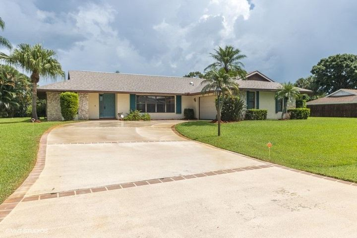 2418 SE Issac Road, Port Saint Lucie, FL 34952