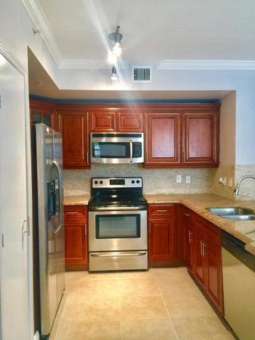 720 S Sapodilla Avenue, 211, West Palm Beach, FL 33401