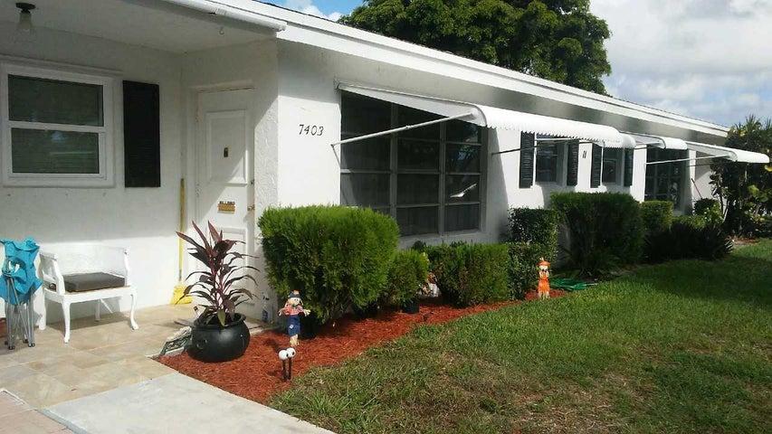 7403 W Oakridge Circle, Lantana, FL 33462