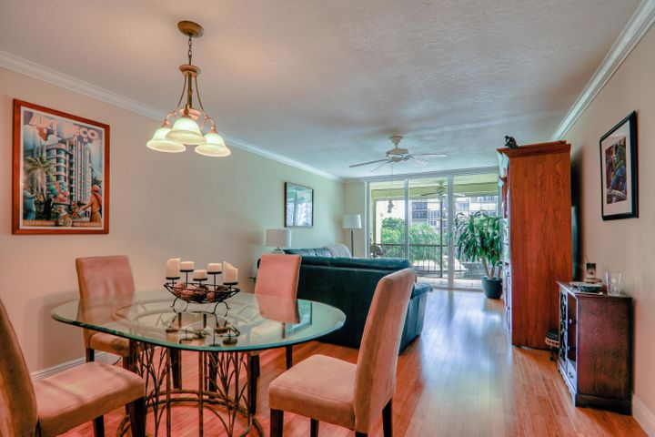 WELCOME TO YOUR RESORT LIVING ON THE INTRACOASTAL!