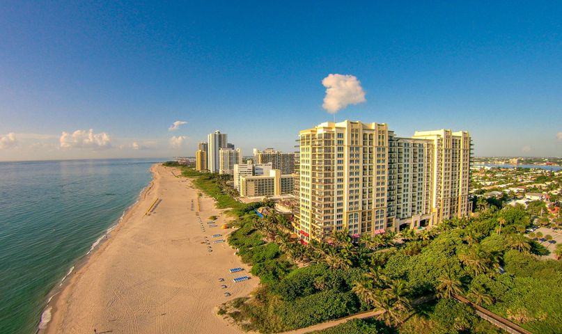 Largest 2 bedroom 2 bath unit with great SE views.  This column has a 6 person dining/breakfast table in it and gets the highest rents in the building.  Upgraded and available for Marriott Rental program.