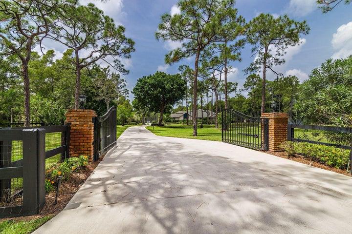 14289 Banded Racoon Drive, Palm Beach Gardens, FL 33418