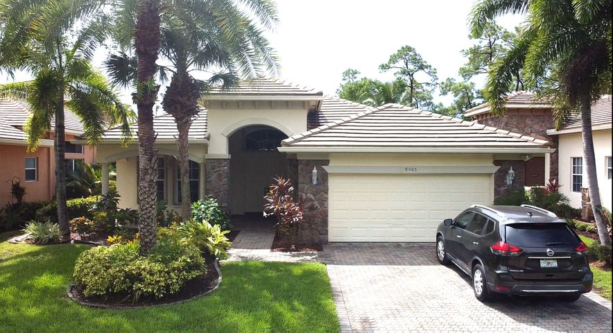 Spacious 4 bedroom, 3 bathroom pool home on a beautiful golf course!  Enjoy the amazing views of the pool and golf course from your private patio!  Located in very desirable Palm Beach Gardens, enjoy the convenience of a large 1 story home that has plenty of room for the whole family.
