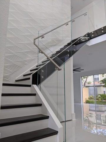 Custom Glass Staircase