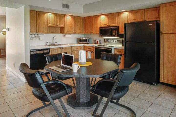 5310 Las Verdes Circle, 318, Delray Beach, FL 33484