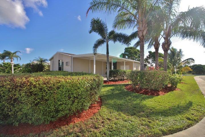 7646 Eastern Bluebird Drive, Port Saint Lucie, FL 34952