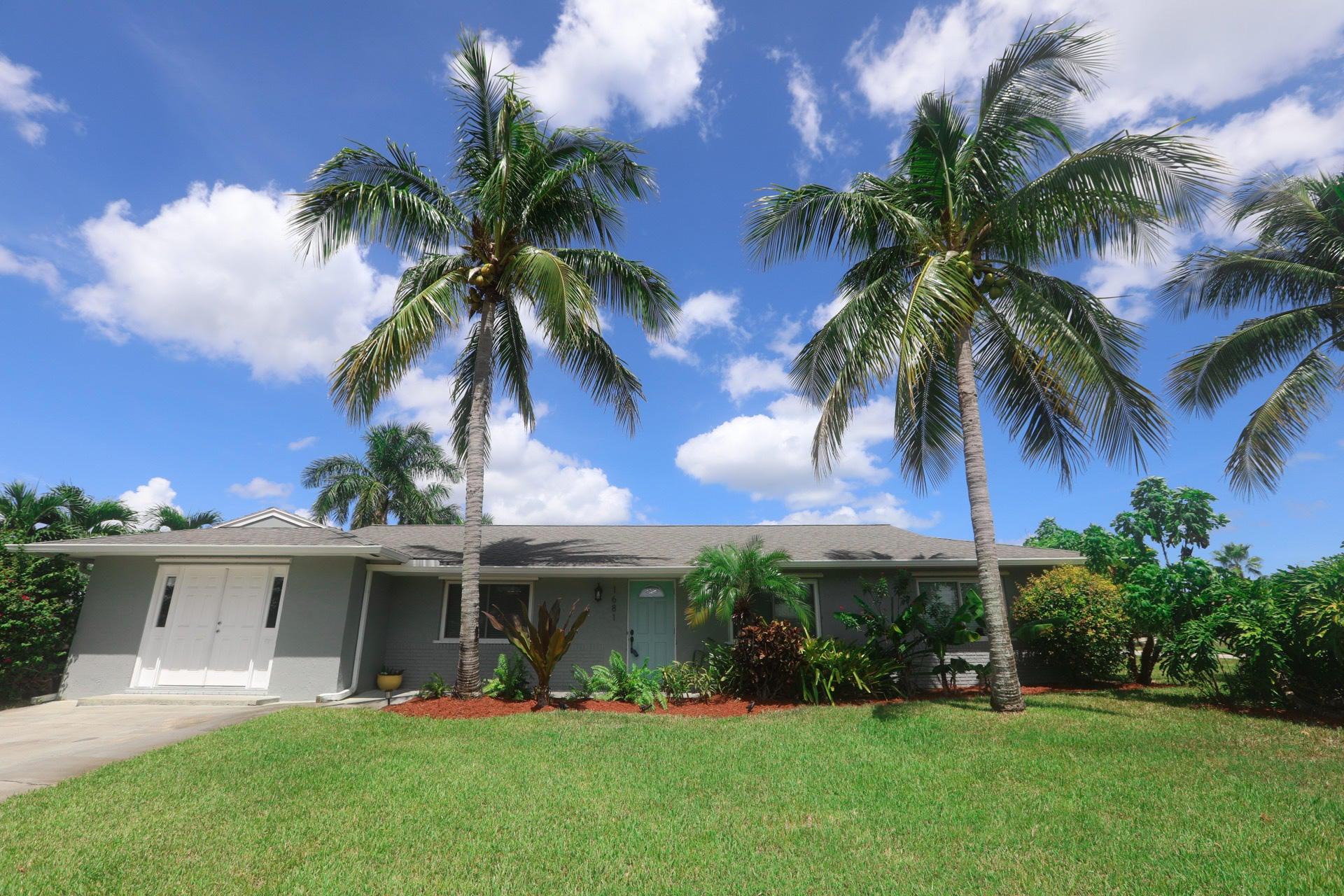 1681 NE 24th Terrace, Jensen Beach, FL 34957