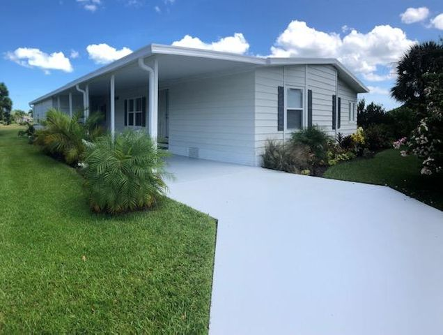 3049 Satinleaf Lane, Port Saint Lucie, FL 34952