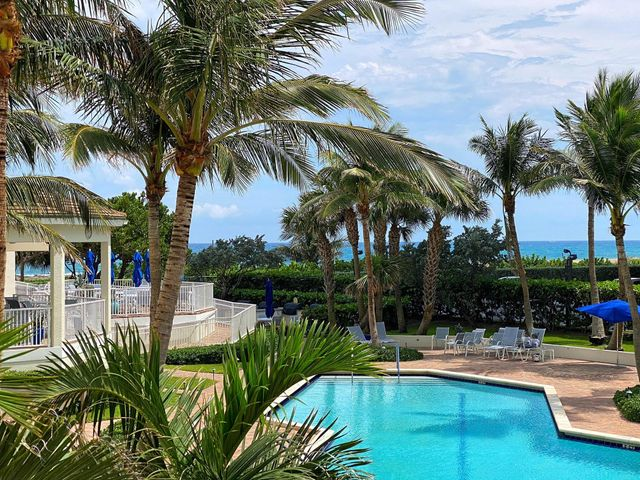 This beautifully finished oceanside retreat benefits from meticulous attention to details - nothing has been overlooked. From the herringbone laid wood-look tile to the coastal inspired ceiling treatments & each fixture & handle in between. Clever re-purposing of space to create a small GUEST BEDROOM. Access from LR and BR to spacious balcony. Washer/Dryer inside unit. Tiara, a luxury amenity building offers a true resort lifestyle: valet, 24/7 concierge & manned gate. A 1BR suite for guests of residents. Heated pool, separate jacuzzi, tennis, men's & women's fitness centers w/ steam room & sauna, billiard room, library, & card room. Beachside restaurant - eat-in or delivery. 43rd floor Marquis lounge w/ 360 degree view + WiFi. 15 mins to 1st class shopping, dining & entertainment.