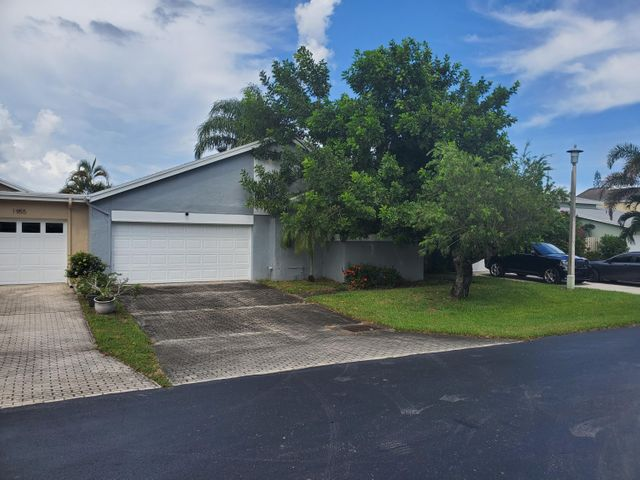 1945 NW 9th Street, Delray Beach, FL 33445