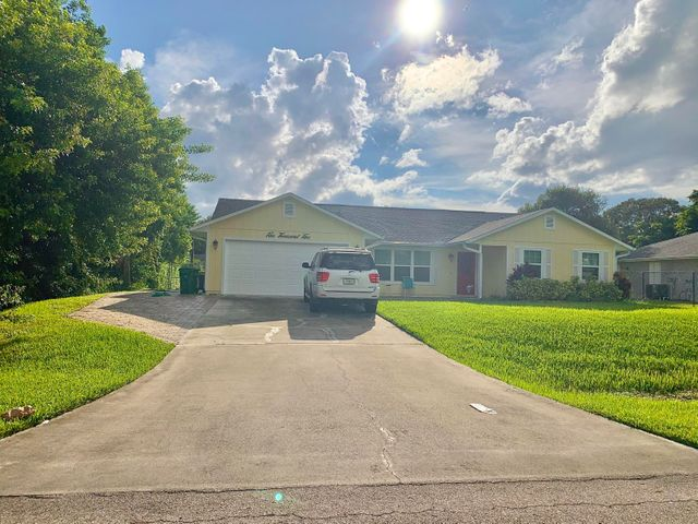 5005 Hickory Drive, Fort Pierce, FL 34982