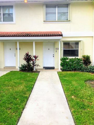 6386 Boca Circle, Boca Raton, FL 33433